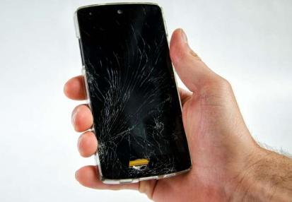 研究人员为破裂的手机屏幕开发自修复聚合物